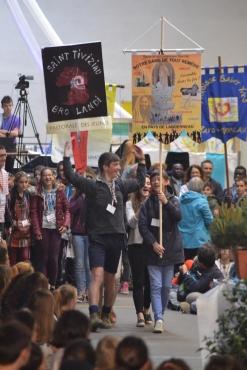 accueil des délégations et de leur bannière