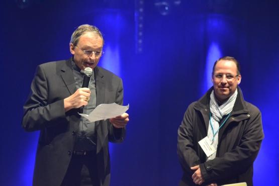 Accueil par Mgr Dognin et P. Stéphane Le Sonn